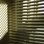 How to clean Venetian blinds?